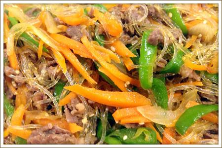牛肉と彩野菜のチャプチェ