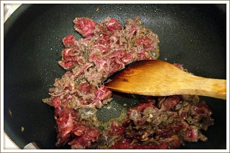 「牛肉と彩野菜のチャプチェ」制作画像