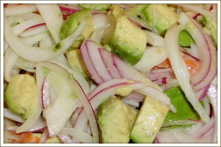 新玉ねぎとアボカドサーモンの柚子サラダ