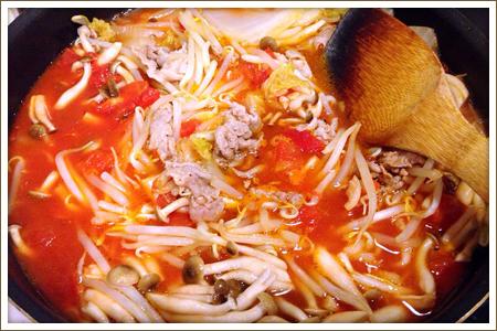 「豚肉と白菜のトマト煮」制作画像