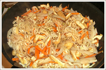 「野菜とゴマたっぷりの切干大根」制作画像