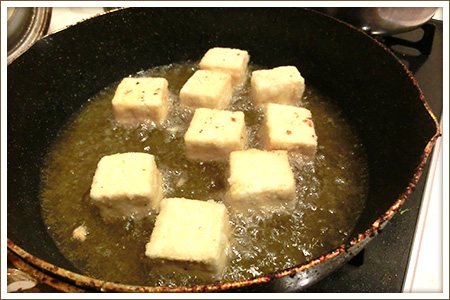 「揚げだし豆腐のおろしあんかけ」制作画像