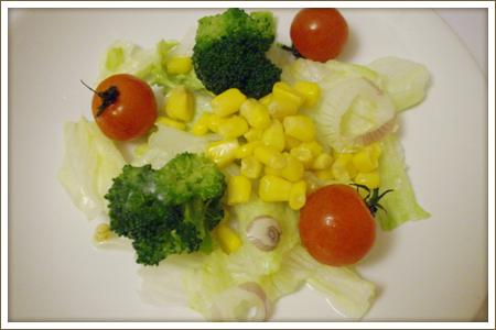 簡単!野菜たっぷりサラダ